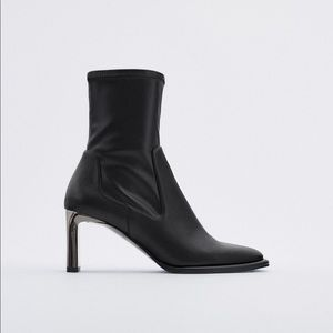 NWT. Zara Heeled Ankle Boots. Size 8
